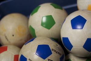 soccer-670058_1920