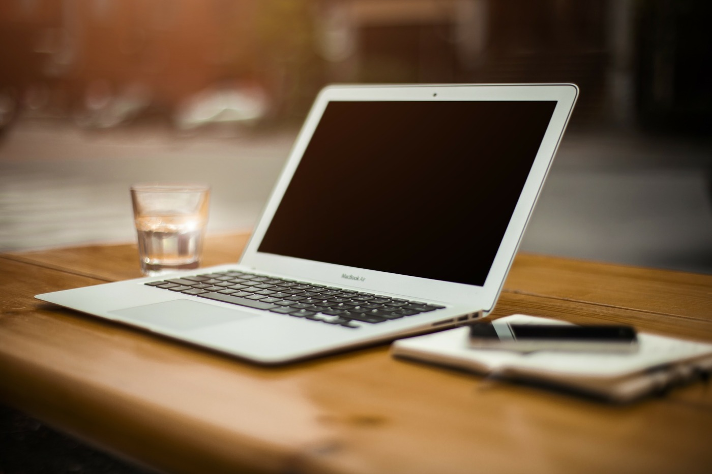 MAC - Apple - Technology - Customer Service - History